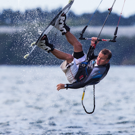 360 jump by Trevor Bond - Sports & Fitness Watersports