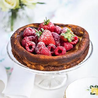 Super Light Quark Cheesecake With Fresh Berries.