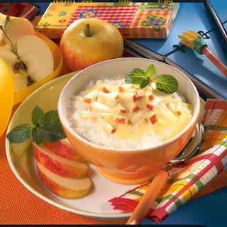 Rice Pudding with Yogurt and Apple.
