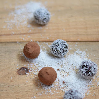 Dates and Cocoa Truffles.