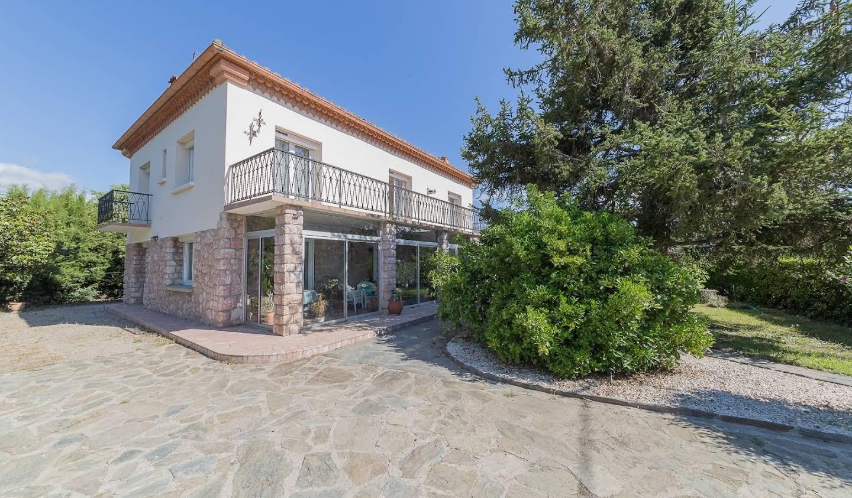 Villa with terrace Prades