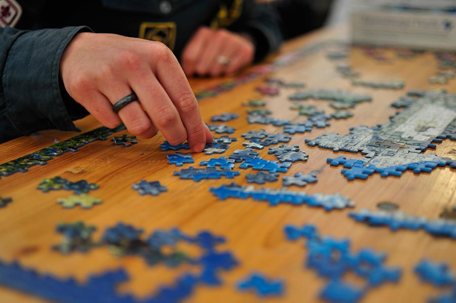 Jigsaw_puzzle_01_by_Scoutenkicsi.jpg