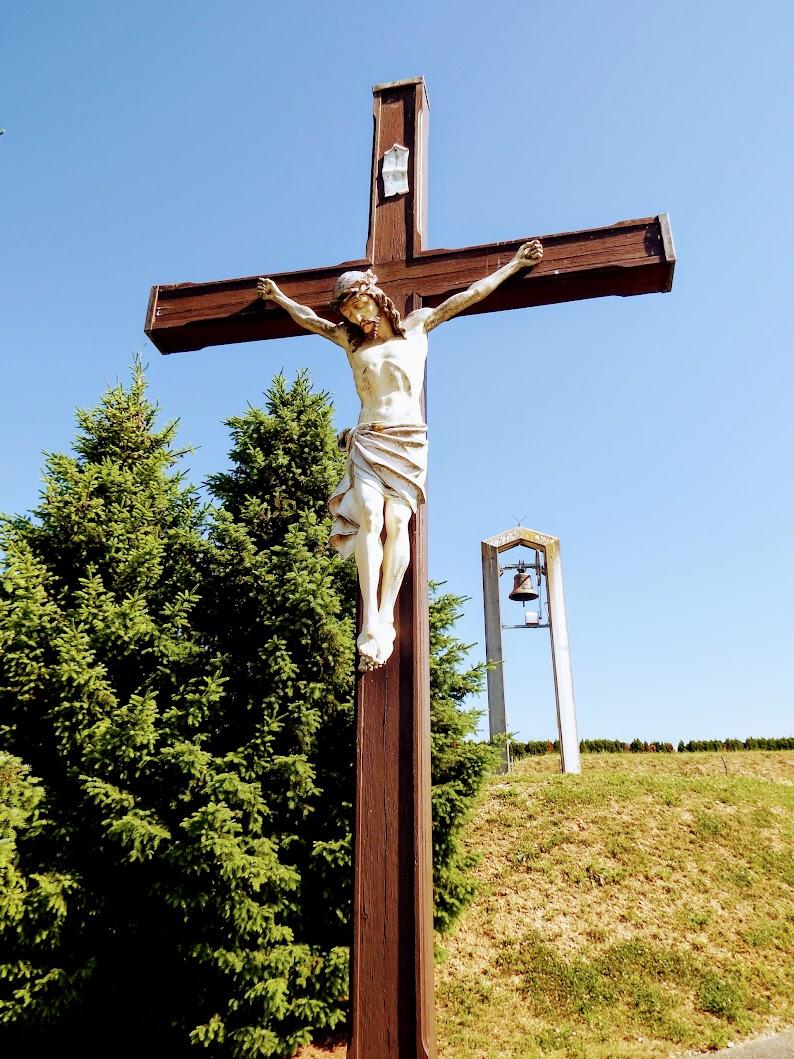 Lendavske Gorice (Lendvahegy) - križ pri zvonik na pokopališču (harangláb és kereszt a temetőben)