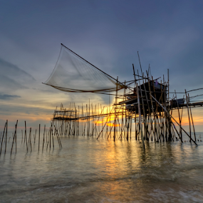 seaview at sunset by Hafiz Hj Ismail - Landscapes Sunsets & Sunrises ( sand, village, sea, beauty, fishing, sunrise, beach, seascape, seaview )