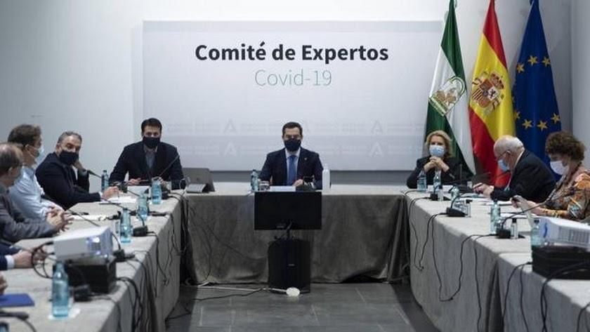 Juanma Moreno no presidirá presencialmente la reunión, pues ha dado positivo por covid.