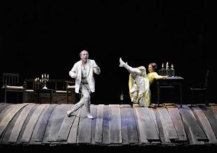 Photo: WIEN/ Burgtheater: WASSA SCHELESNOWA von Maxim Gorki. Premiere22.10.2015. Inszenierung: Andreas Kriegenburg. Peter Knaack, Andrea Wenzl. Copyright: Barbara Zeininger
