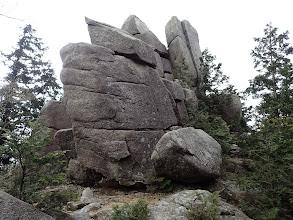 初めの岩場(左から巻く)