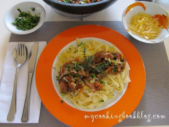 Вегетариански сос за паста с два вида гъби