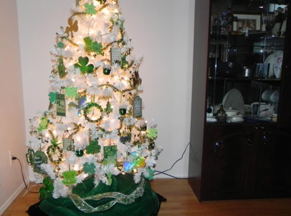 So, finally took some pics of my St. Patty's Day tree. I have been...