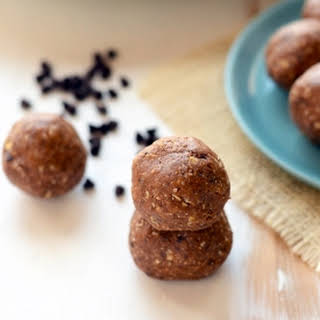 High-Protein Mint Chip Energy Balls.