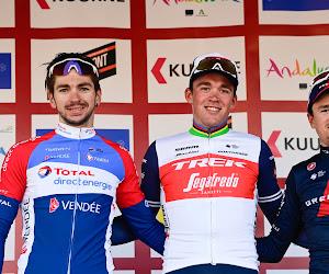 """Pidcock nu niet in veldrit maar op de weg in Vlaanderen in top drie: """"Van der Poel geklopt in sprint? Zo zie ik het niet"""""""