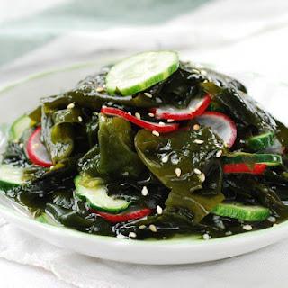Miyeok Muchim (Seaweed Salad)