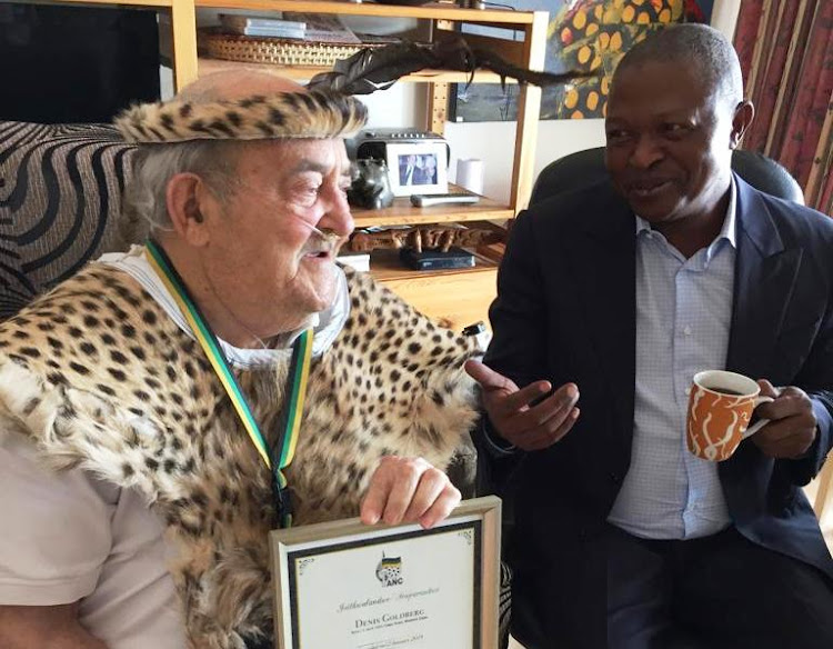 Rivonia triallist Denis Goldberg at his home in Hout Bay on January 23 2019 with Deputy President David Mabuza.