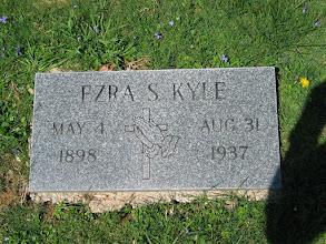 Photo: Kyle, Ezra S.