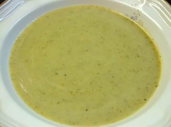 Creamy Zucchini Garlic Soup Recipe