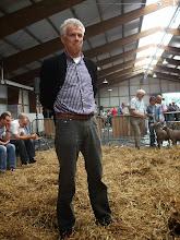Photo: D. de Jong leidt de studiedag. Programma: True Type in vergelijk met de aanwezige dieren. Interactief, onder leiding van Wim Voskamp. Aanwezige dieren plaatsen en bespreken.