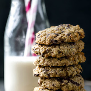 Healthy Chocolate Chip Oatmeal Cookies.