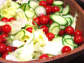 Photo: Blue Cheese Dressing Salad