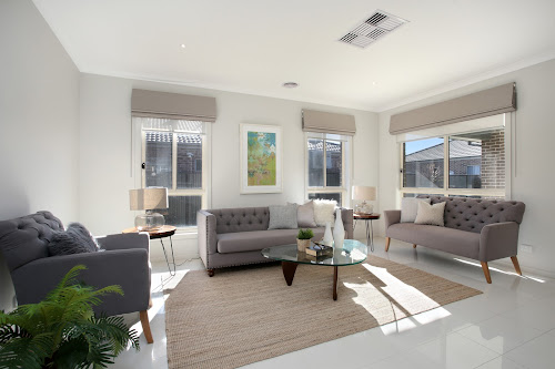 Photo of property at 33 Selandra Boulevard, Clyde North 3978