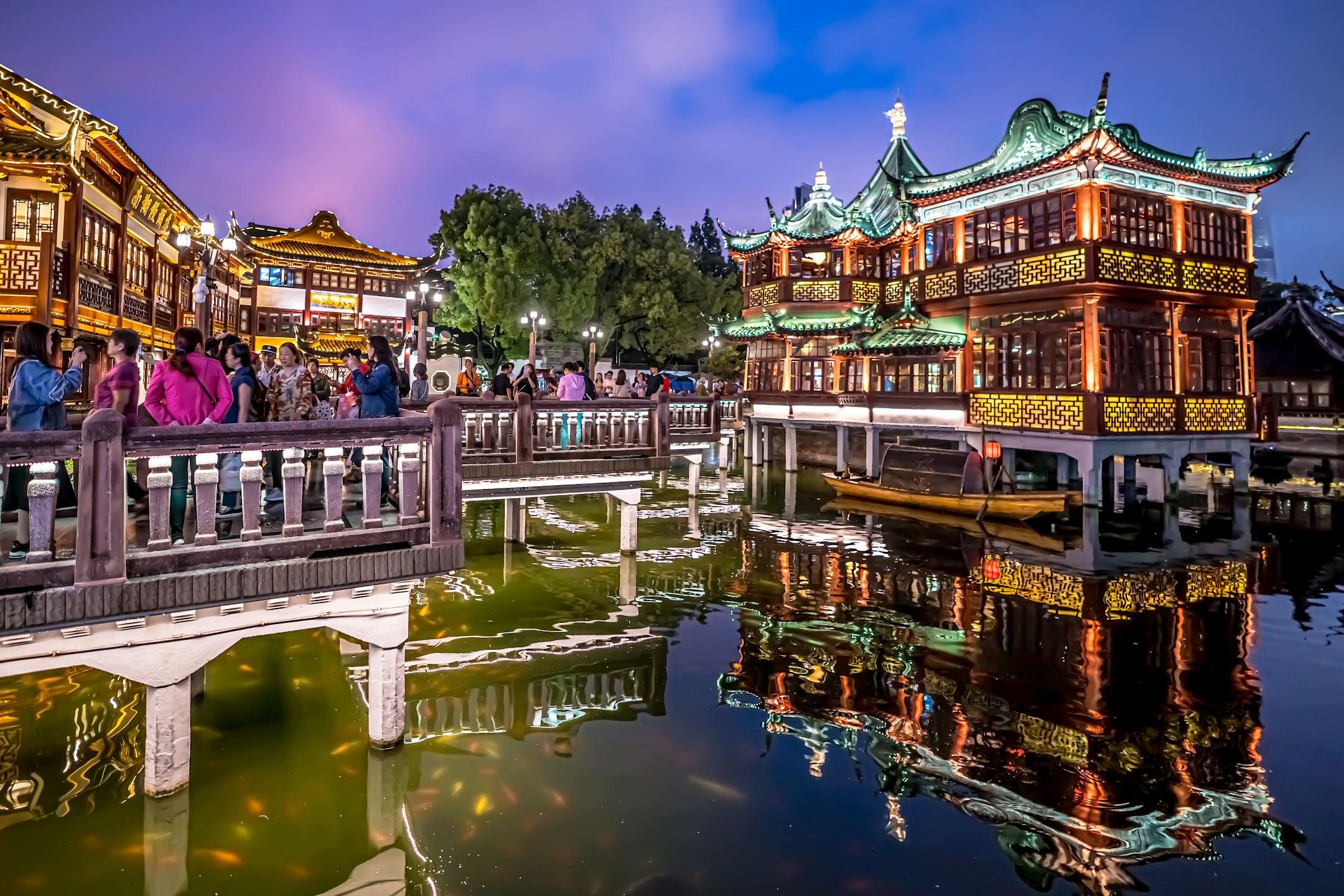 上海 豫園 湖心亭 ライトアップ1
