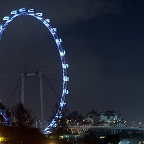 Giant Wheel by Saravanan Veeriah - Buildings & Architecture Public & Historical ( head lamps, tail lamps, light photography, singapore at night, light )