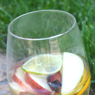Alcohol Removed White Sangria.