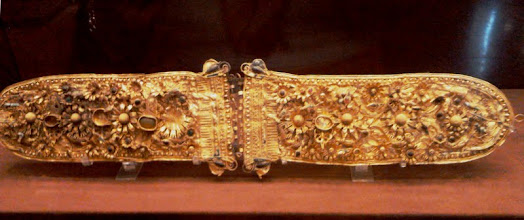Photo: Gold belt decorated with flowers, 2nd century BC