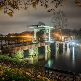 by Terje Jorgensen - City,  Street & Park  City Parks