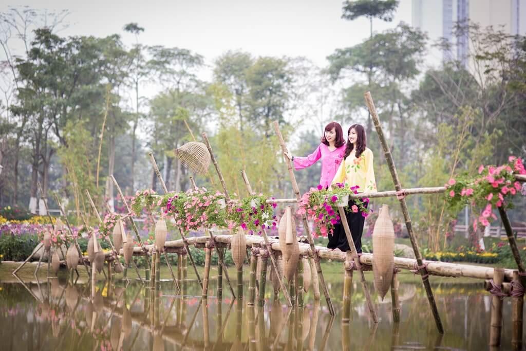 Công viên Mùa Xuân, Hạ, Thu: