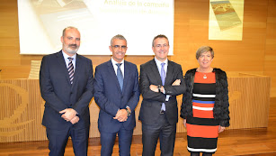 Responsables de Cajamar y Tecnova en la presentación del informe