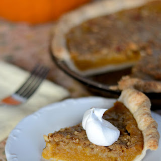 Vegan Pumpkin Pie with Crumble Topping