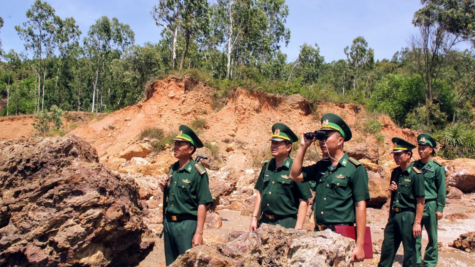 Đồn biên phòng Quỳnh Thuận thường xuyên tuần tra đảm bảo ANTT cùng ngư dân bám biển