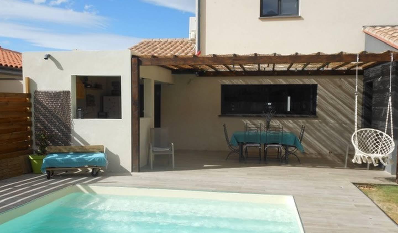 Villa avec piscine en bord de mer Peyrestortes