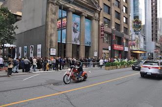Photo: Schlange stehen für Karten für das TIFF (Toronto International Film Festival)