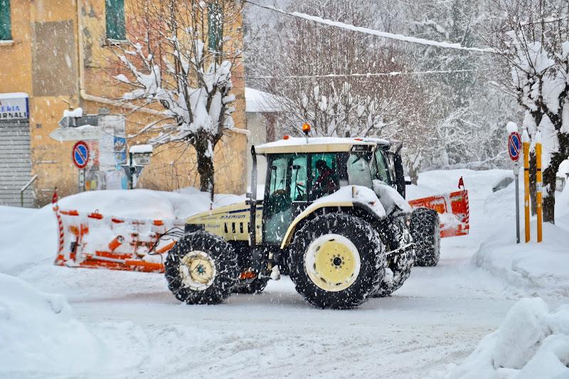 Buona è la neve che a suo tempo viene !! di giuseppedangelo