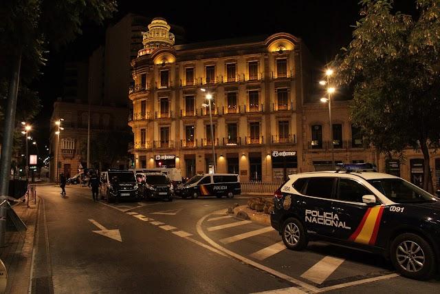 La Policía Nacional tomó la Puerta de Purchena.
