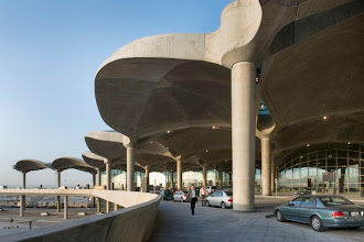 Photo: #SemicubiertosGalerias Queen Alia International Airport Amman, Jordania Proyecto: Foster + Partners Ver imágenes>>http://on.fb.me/XF2INl