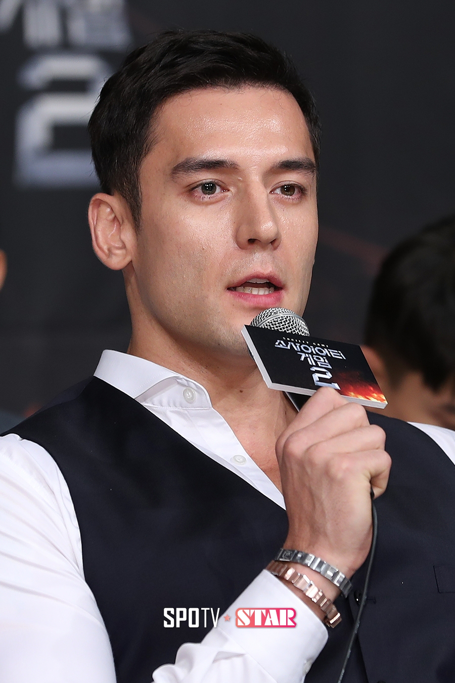 julien kang father debt