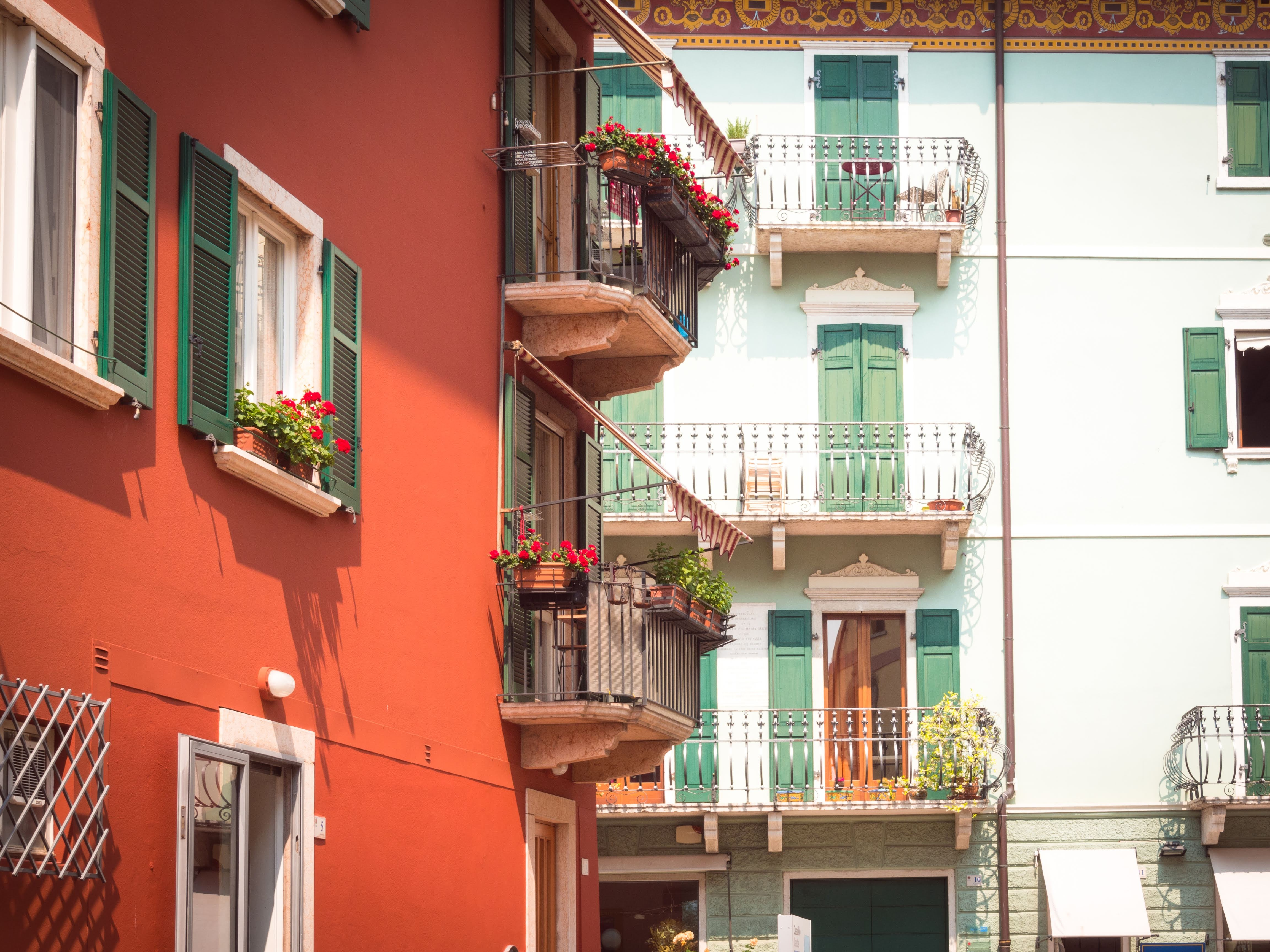 Pretty and colorful buildings in Malcesine