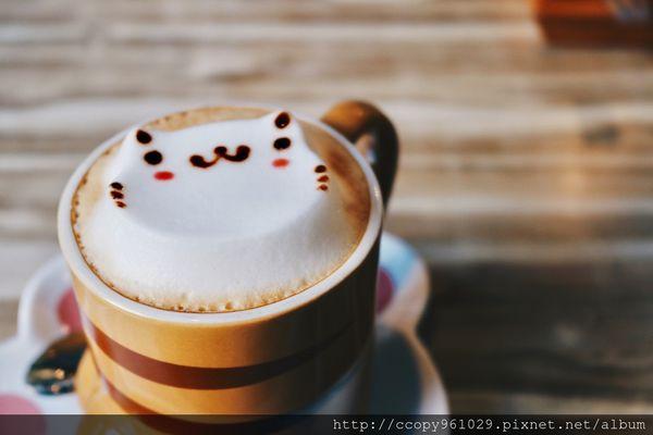 The Who Cafe框影咖啡,超可愛貓咪立體拉花,台北101不限食咖啡廳