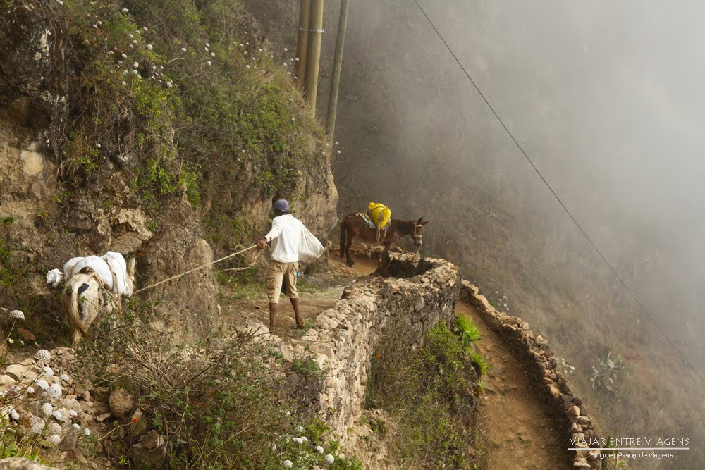 Trilho da Ribeira do Paúl, na ilha de Santo Antão | Cabo Verde