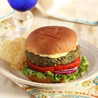 Mushroom White Bean and Farro Burger