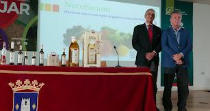 Antonio Murillo, farmacéutico y nutricionista; Rafael Úbeda, gerente de Castillo de Tabernas.