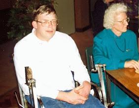 Photo: Gerard Rijnberg en zijn moeder