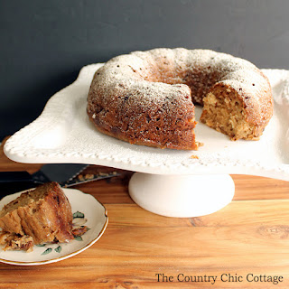 Applesauce Banana Cake