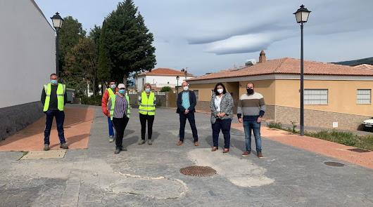 Embellecen y modernizan espacios públicos en Fondón y Fuente Victoria