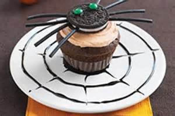 Chocolate Cupcake Spiders Recipe