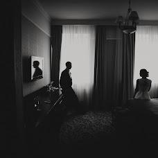 Wedding photographer Anna Zavadskaya (lapedrera). Photo of 04.12.2013