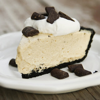 Easy No Bake Peanut Butter Pie with Oreo Crust.