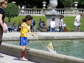 Photo: In truth, this just means Kids with Boats in the Luxembourg Gardens.